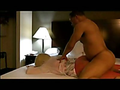 Amateur couple fuck in front of the camera.