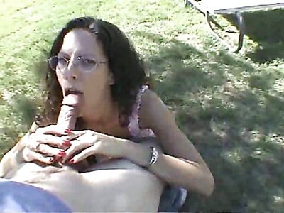Sexy sluts who pose naked suck cock.